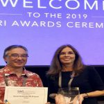 Art Buto and Joan Delos Santos Receive Award from Esri